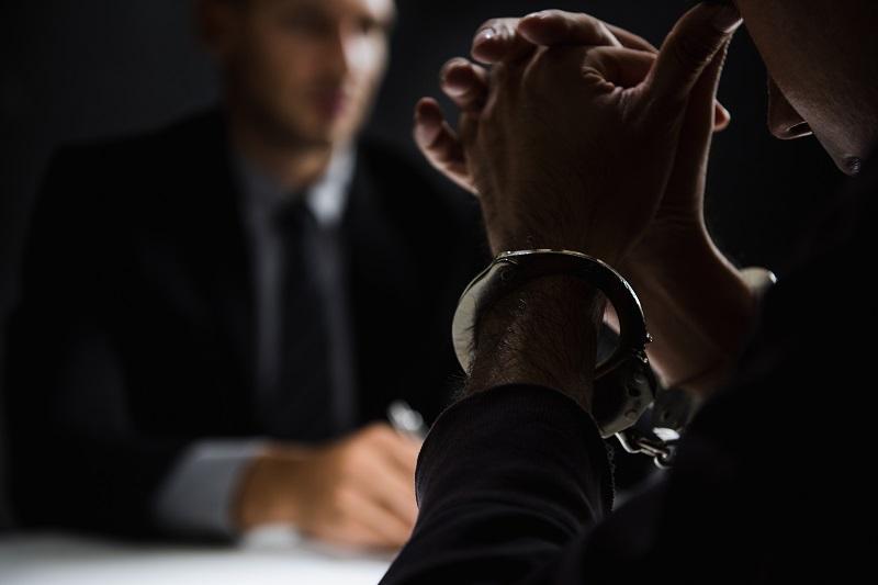 незаконное задержание сотрудниками полиции